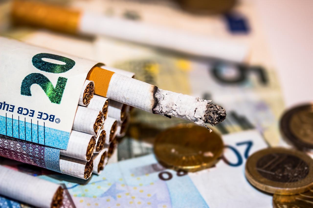 Economize dinheiro parando de fumar