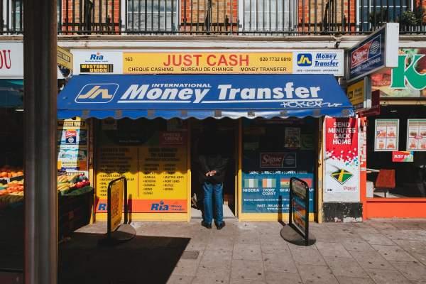 TransferWise vs PayPal: kumb on parem?