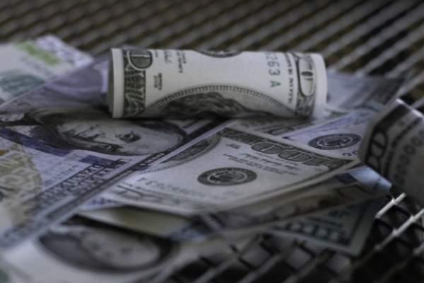 Cómo sortear los controles de cambio al dolar en la Argentina