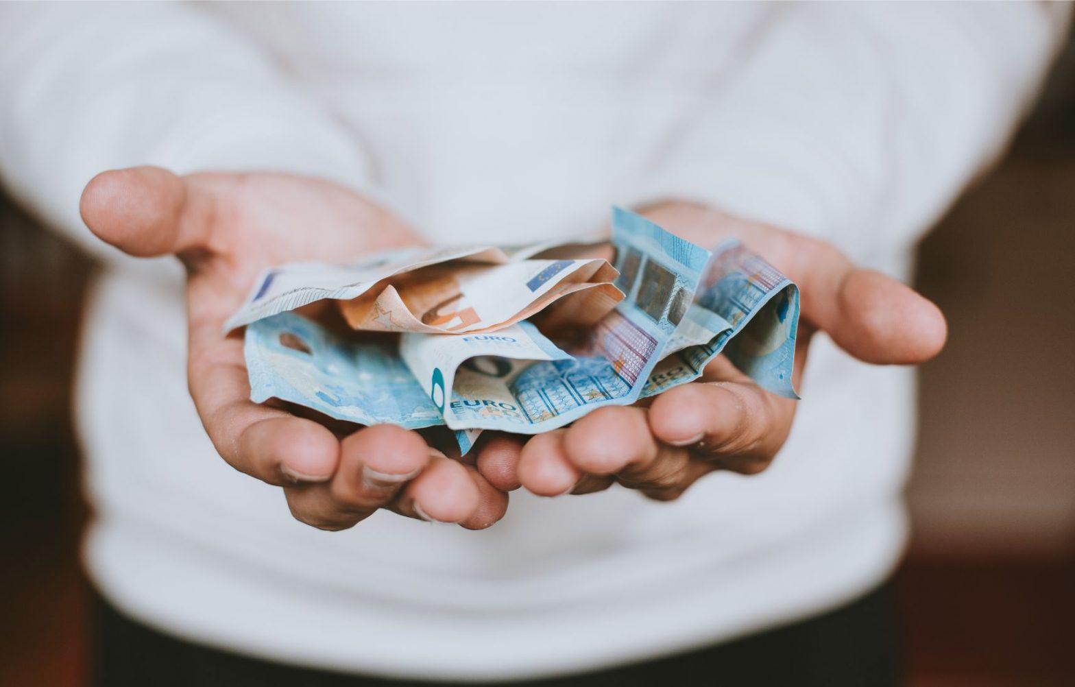 Inkomstenbelasting betalen