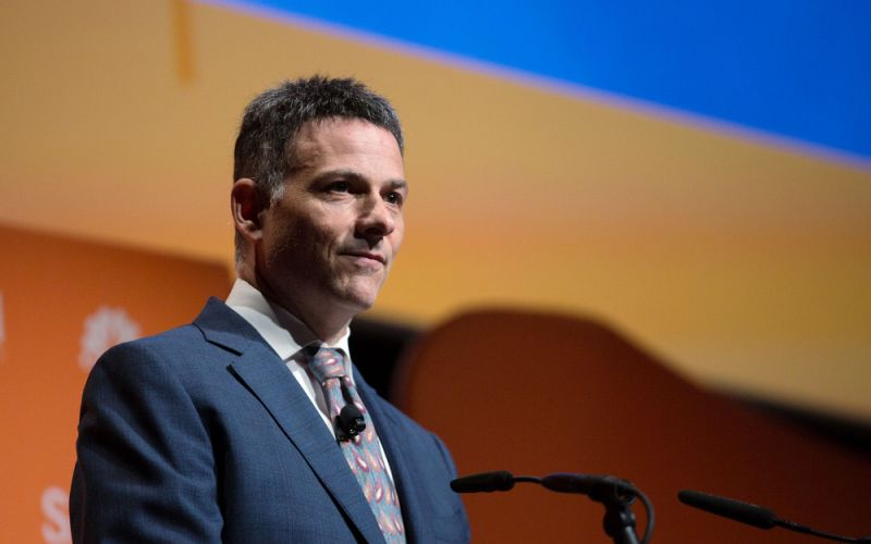 David Einhorn. How He Made His Billions and Key Lessons