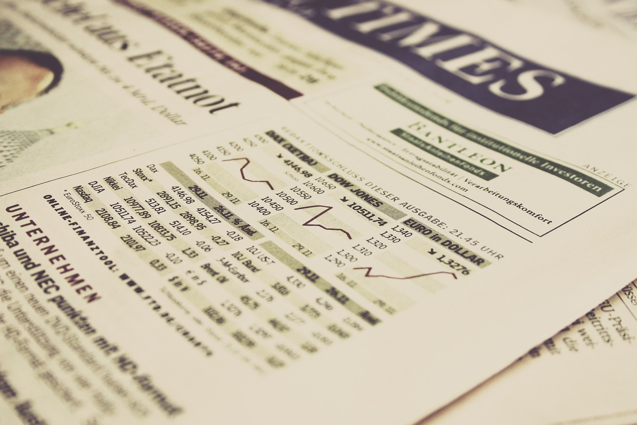 Mutual Funds vs Index Funds: A Complete Comparison