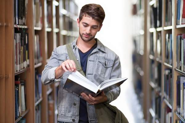 7 Flexible Ways to Make Money in College Without Missing a Class