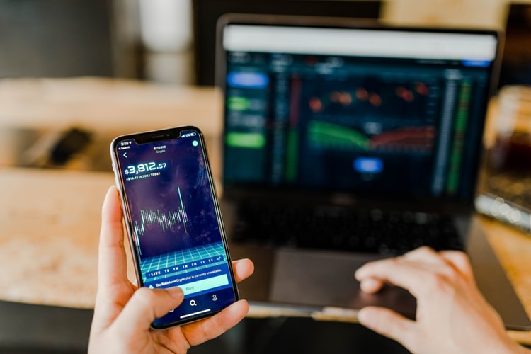 Buy and Hold Strategy: What it is and How to Use it